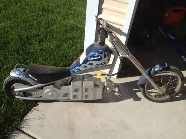 Razor Mini Chopper (BLUE) - $75 (los banos)