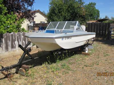 1978 Tri-hull Boat with Trailer - $500 (Merced)