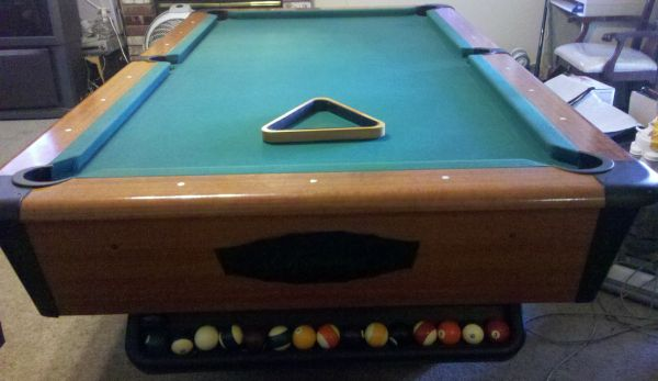 Pool Table (Slate) 8ft With Ball Return (Chicagoan) - $750 (Los Banos)