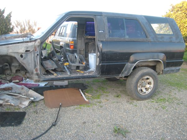 1984-89 Toyota 4runner parts (v6 mostly) - $1 (merced)