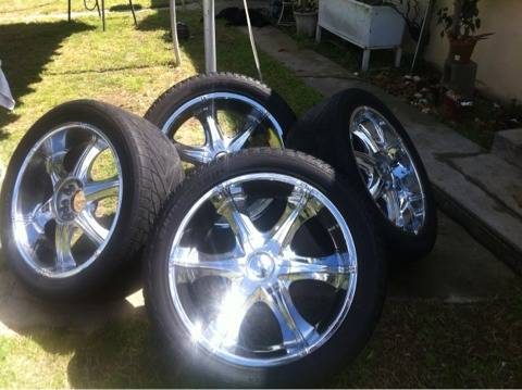 Vagare luxury wheels bounce - $800 (Turlock,CA)