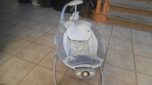 Baby Bouncer (Automatic) - $35 (Merced)