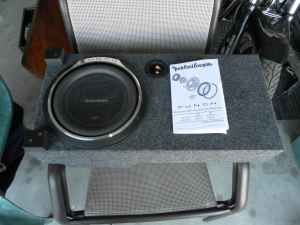 2003-06 chevy avalanche Sub box (merced)