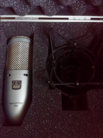 AKG Perception 200 Condencer Mic W stand - $250 (merced )
