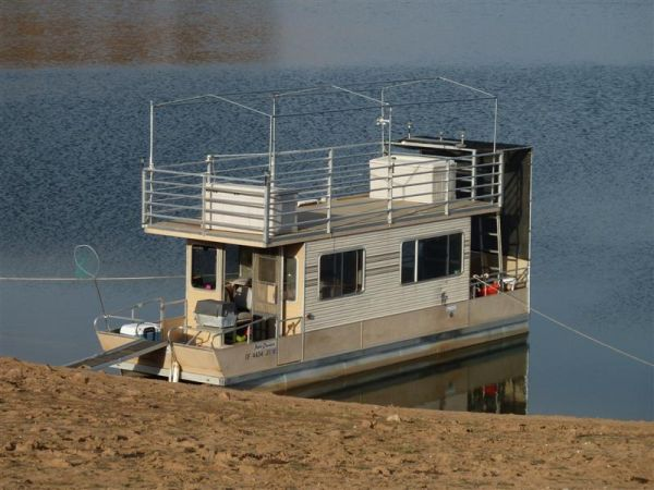 Model 2800 Patio Cruiser Houseboat - $27000 (Don Pedro Reservoir)