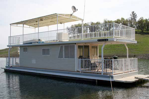 Houseboat for Sale - Lake Don Pedro - $80000 (Lake Don Pedro, Moccasin Point Marina)