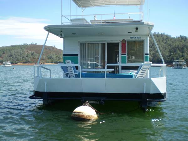 PRICE REDUCED-HOUSEBOAT ON LAKE MCCLURE W PERMIT - $60000 (LAKE MCCLURE)