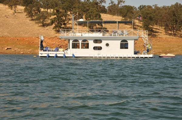 Custom Houseboat at Lake Don Pedro - $205000 (Fleming Meadow HB Marina)