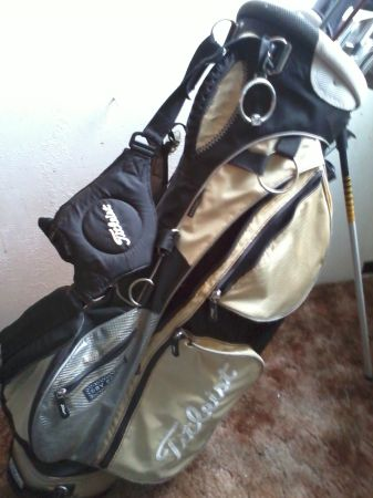 Golf clubs with bag-full set-various clubs extras - $60 (Turlock ca)