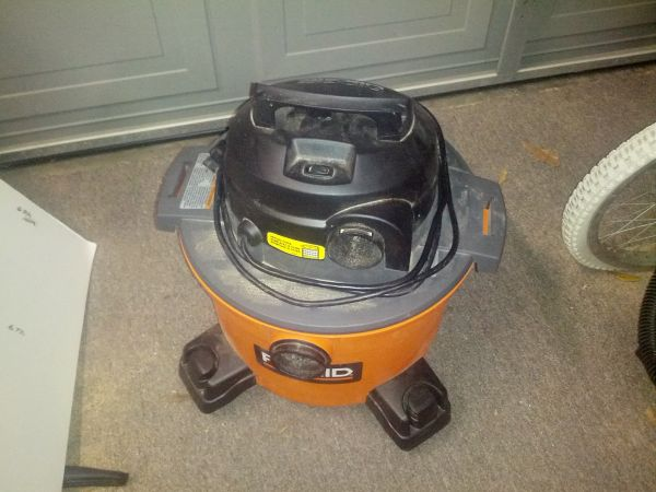 RIDGID 6 GALLON SHOP VAC NO HOSE - $20 (PATTERSON)