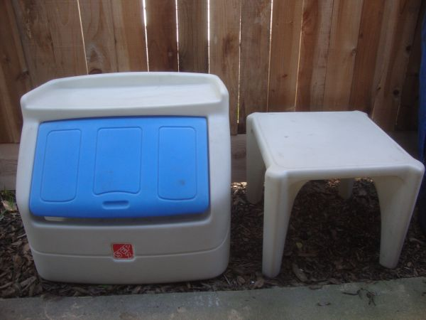 KIDS STEP 2 TOY CHEST AND TABLE - $35 (modesto)