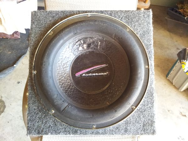 12 inch audiobahn subwoofer an Rockford fosgate cap (Waterford)