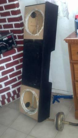 gmc chevy silverado subwoofer box - $70 (patterson)