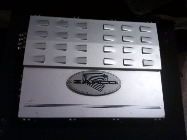 ZAPCO I450 AMP WITH BASE KNOB - $100 (riverbank)