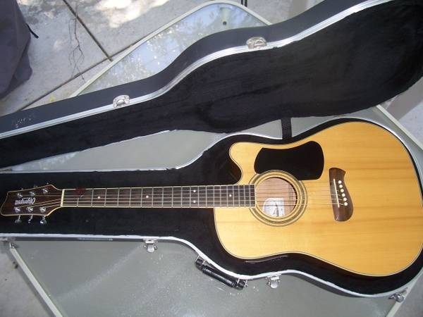Olympia by Tacoma Acoustic Guitar Hard Case - $300 (Modesto)