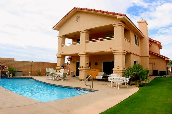 - $324900 4br - 2300ftsup2 - Custom Home Gated Community River Views Pool Boat Storage (Mohave Valley, AZ)