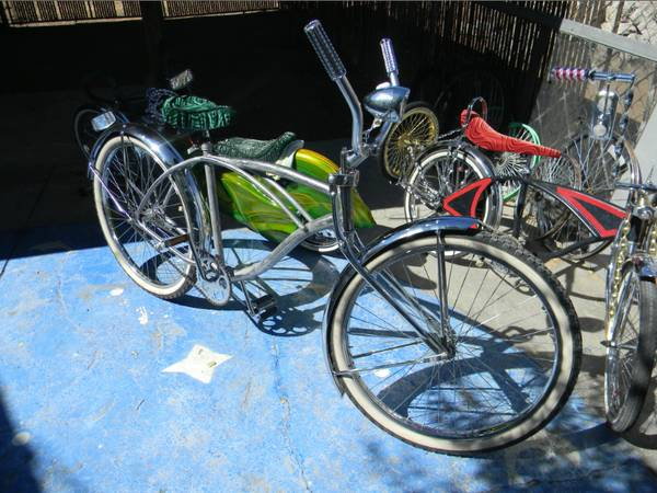 26 Huffy beach cruiser project bike for sale - $100 (kingman az)
