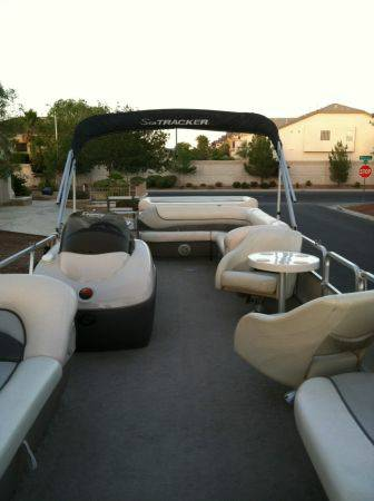 2005 27 ft SunTracker Pontoon Party Barge - $20000 (Lake Mead)