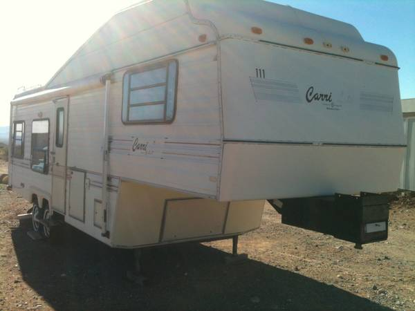 29 5th Wheel - $2500 (Golden Valley)