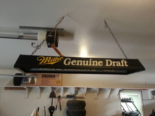 Vintage Miller Genuine Draft Pool Table Light - $40 (Lake Havasu City)