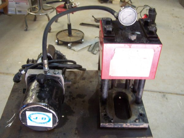 WEATHERHEAD HYDRAULIC HOSE CRIMPING MACHINE - $600 (GOLDEN VALLEY)