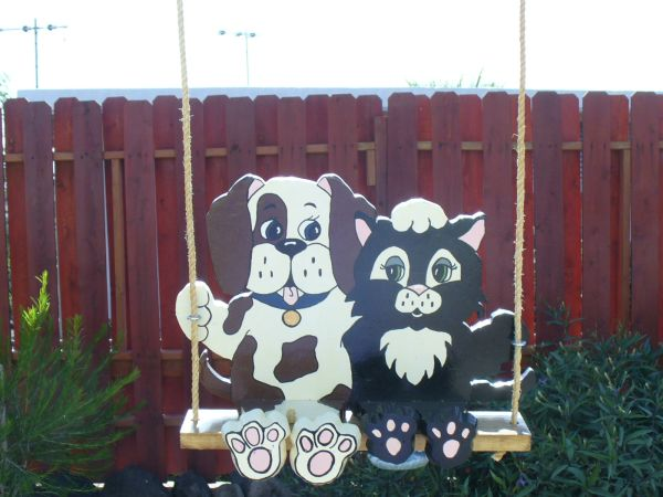 HandCrafted- Swinging Doggy and Kitty - $35 (bullhead city)