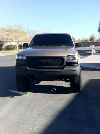 2001 GMC Sierra 2500hd 4x4 6.0l lifted 35s black wheels Propane kit - $7500 (las vegas)