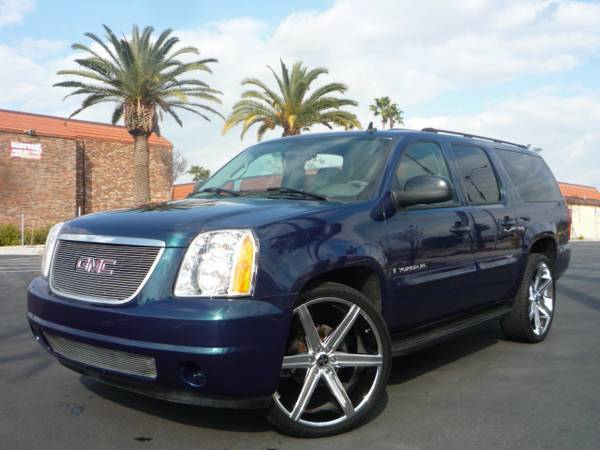 2007 GMC YUKON Premium Wheels 26 THIRD ROW SEAT 1.99 RATE O.A.C - $18999 (SAN BERNARDINO)