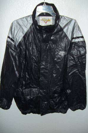 Nelson-Rigg Stormrider MOTORCYCLE 2-Piece RAINSUIT Medium - $22 (Laughlin, NV)
