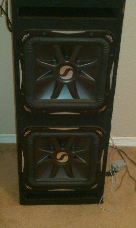 two 12 kickers subs with box L7 - $450 (bullhead city )