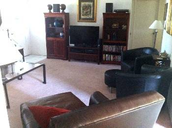 $695 110ftsup2 - 695 Room for rent for a male nice house great neighborhood (Costa Mesa Occ Fairgrounds Tewinkle Park)