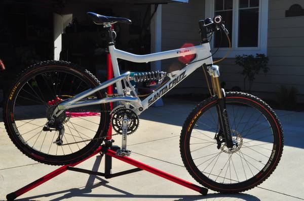 Santa Cruz Bullit - Large - Made in USA - $950 (Huntington Beach)