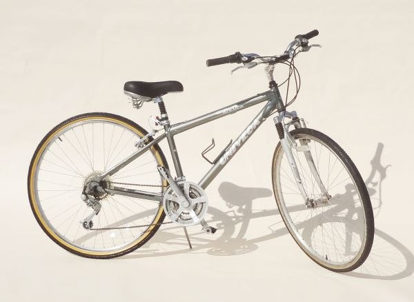 Univega Via De Oro Hybrid Commuter Bike - $195 (Irvine)