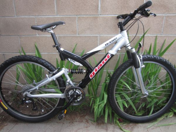 GIANT WARP DS3 DS THREE MOUNTAIN BIKE - $290 (COSTA MESA)
