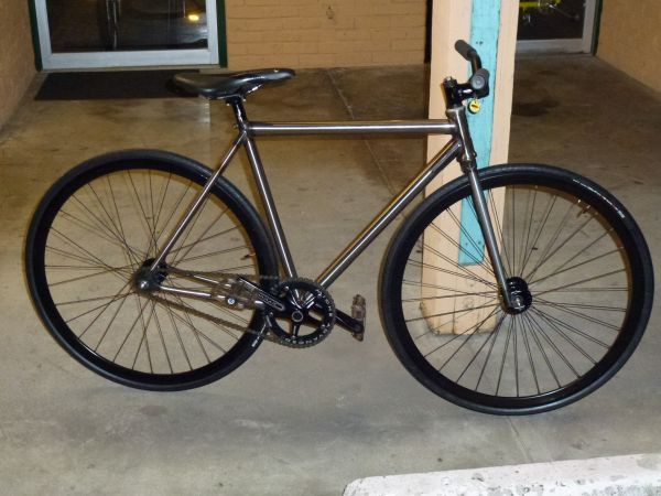 VOLUME CUTTER FIXIE WCARBON WHEELS LOOK AT THIS BAD BOY - $799 (STANTON)