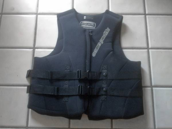 Life Vest jacket Adult XXL Ocean Pacific Wakeboard Ski - $40 (Huntington Beach)