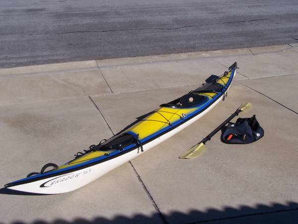 LARGE KEVLAR PERCEPTION SHADOW - TOURING EXPEDITION KAYAK - MINT COND - $1500 (SAN CLEMENTE)