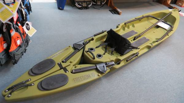 Freedom Hawk 12 Olive Green 12 ft Fishing Kayak - $750 (Irvine, CA)