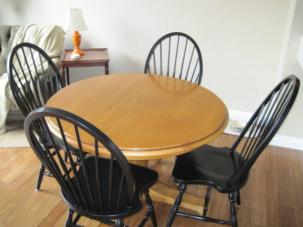 POTTERY BARN Round Kitchen Dining Table Leaf - $375 (Laguna Niguel)