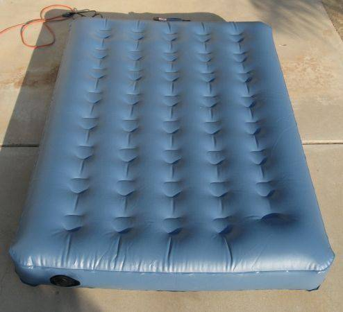 Aerobed Twin Airbed with Fitted Quilt Sheet, Sack, Built-in Air Pump - $30 (Lake Elsinore)