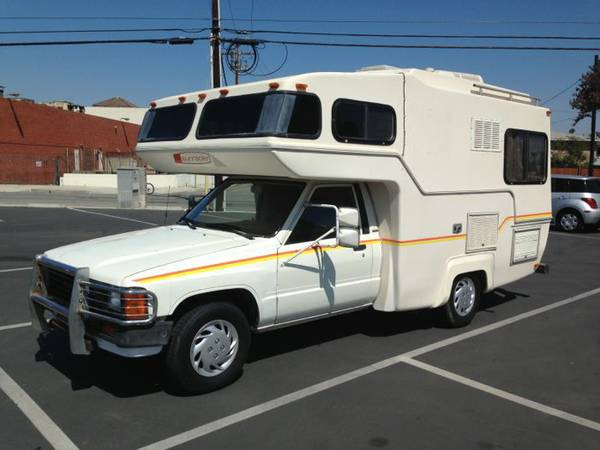 1985 Toyota Sunrader Class-C RV, 4,cylinder engine, Automatic transmission, Has - $3900 (Lakewood ca)