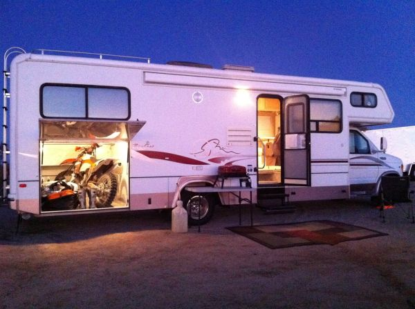 29ft Class C RV for rent Bigfoot 29G basement storage, new, sleeps 5 - $125 (SoCal)