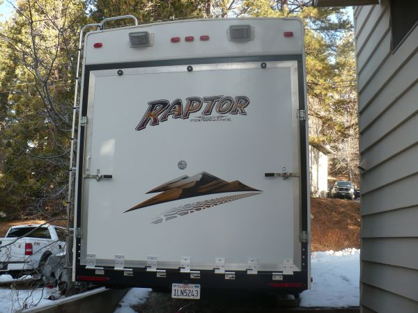 (Long Term) Rental 5th Wheel Toy Hauler - $525 (Highland)