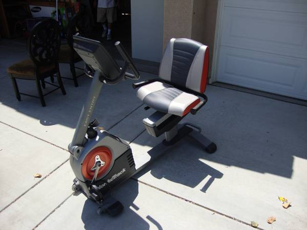 NordicTrack C3 si Recumbent Exercise Bike - $325 (Orange)