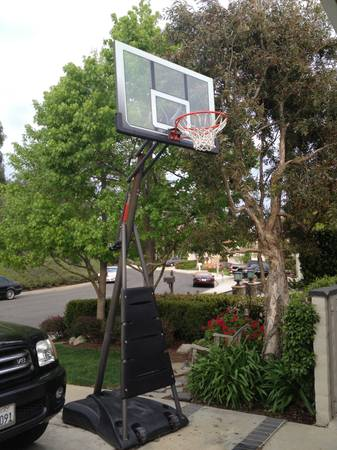 Reebok Asjustable Basketball System-54-inch Backboard - best portable - $375 (Chino Hills)