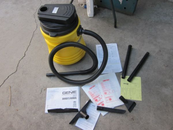 Genie Shop Vac 2 HP WetDry in original box with all attachments - $45 (Anaheim Orange)