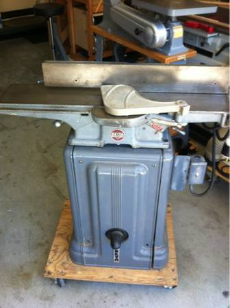 Vintage Delta 6 jointer - Cast Iron Base - $300 (Laguna Niguel)