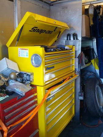 Snap On SNAPON Tool Box, Roll Cart, and End Cab - $1 (Buena Park)
