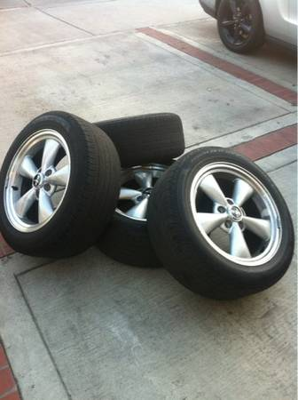 2005-2009 Mustang GT rims with tires - $550 (Costa Mesa )