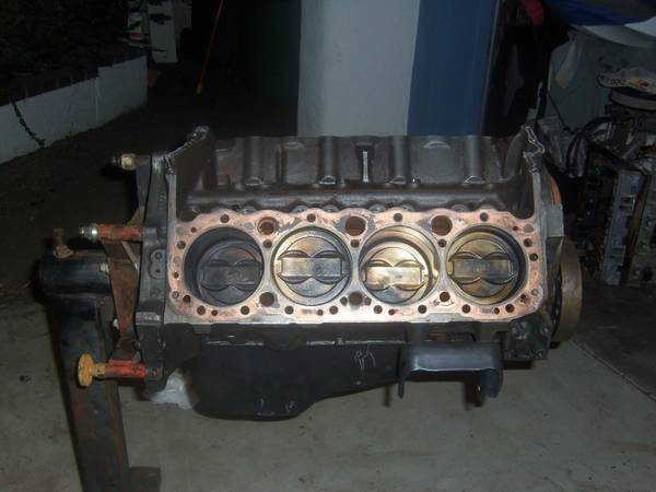 3970010 chevy 350 short block 2 bolt main - $225 (Lake Forest)